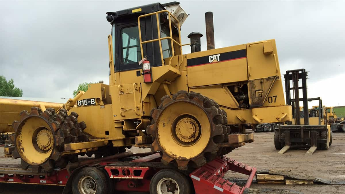 Briggs Equipment Ltd. - CAT 815 Packers
